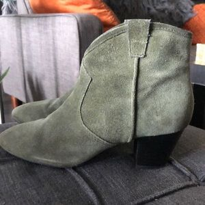 ASH ARMY GREEN ANKLE BOOTIES.